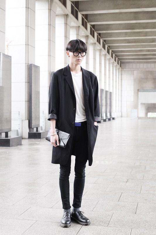 Black and white look - oversize long coat, white shirt, skinny jeans (korean…