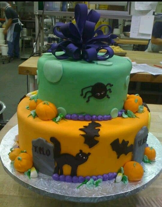 Halloween cake Cake Pinterest Halloween cakes and Cake - halloween decorated cakes