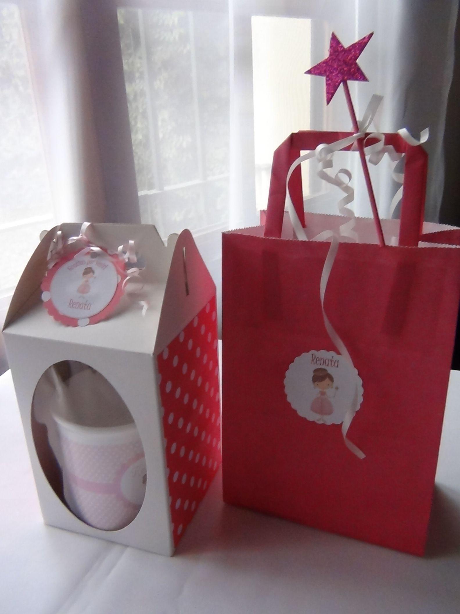 Souvenir taza de princesa en cajita decorada. Bolsita golosinera de princesa personalizada.