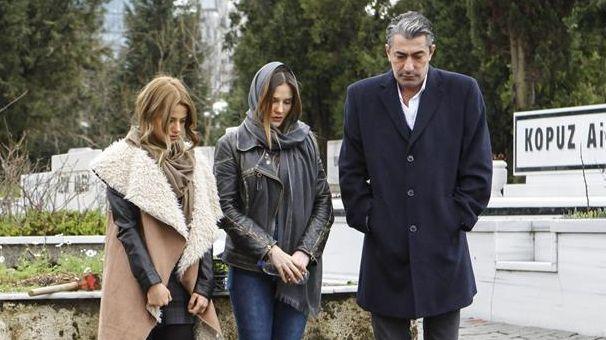 Paramparca 57 Bolum Fragmani 14 Mart Pazartesi Martini Tv