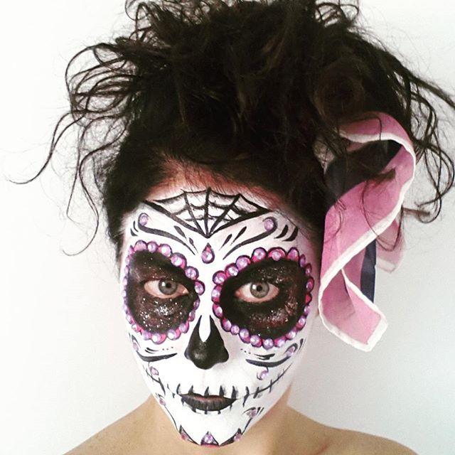 Teschio rosa  #truccabimbi #truccabimbipadova #facepaint #facepainter #animazionebimbi #teschio #party #compleanni #matrimoni #roberta_pon_pon  #robertaponpon #animazione #halloween