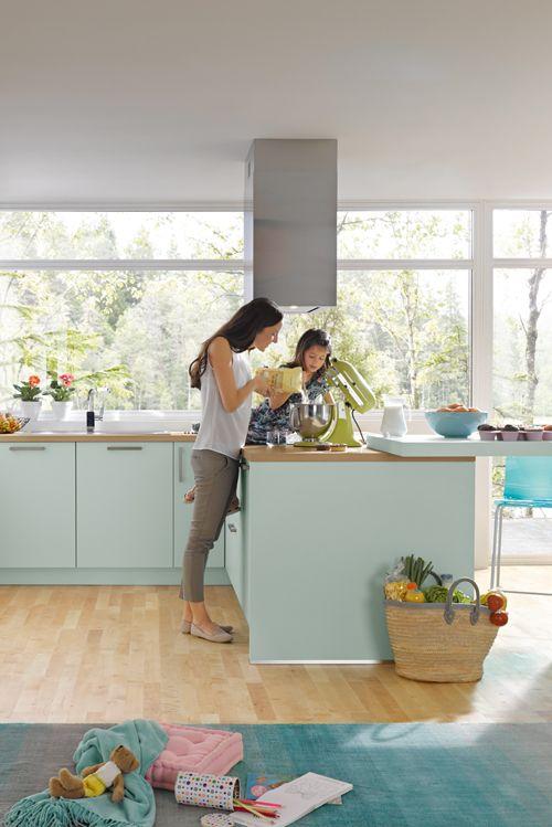 Hell und farbenfroh Moderne Küchen fürs Leben von Spitzhüttl Home - kücheninsel selbst gebaut