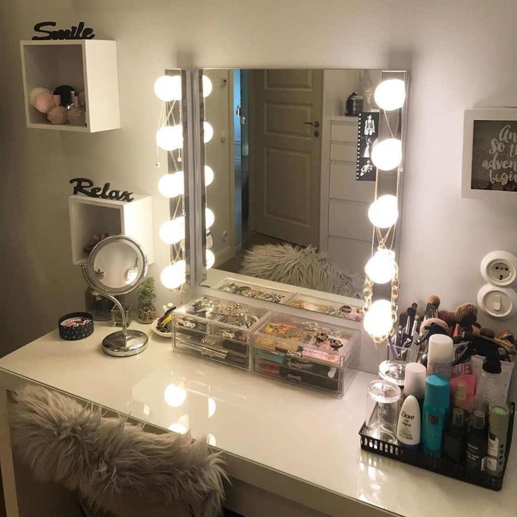 30+ Clever Ways to Use Small Space for Dressing Table with