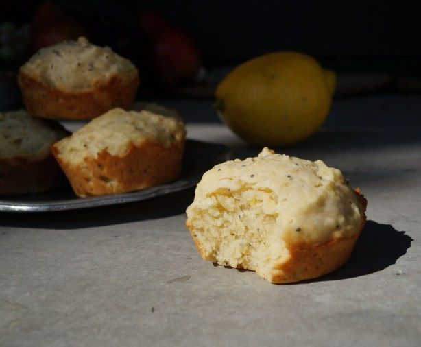 Elizabethan Lemon Cakes: an original recipe, based on cake receipts from A.W.'s Book of Cookrye (1591) and The English Huswife by Gervase Markham, 1615.