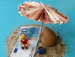 Geld liebevoll verpacken  Strand Geld