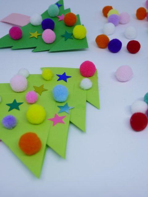 Weihnachtsbasteln mit Kindern Tannenbäume #weihnachtsbastelnmitkindernunter3