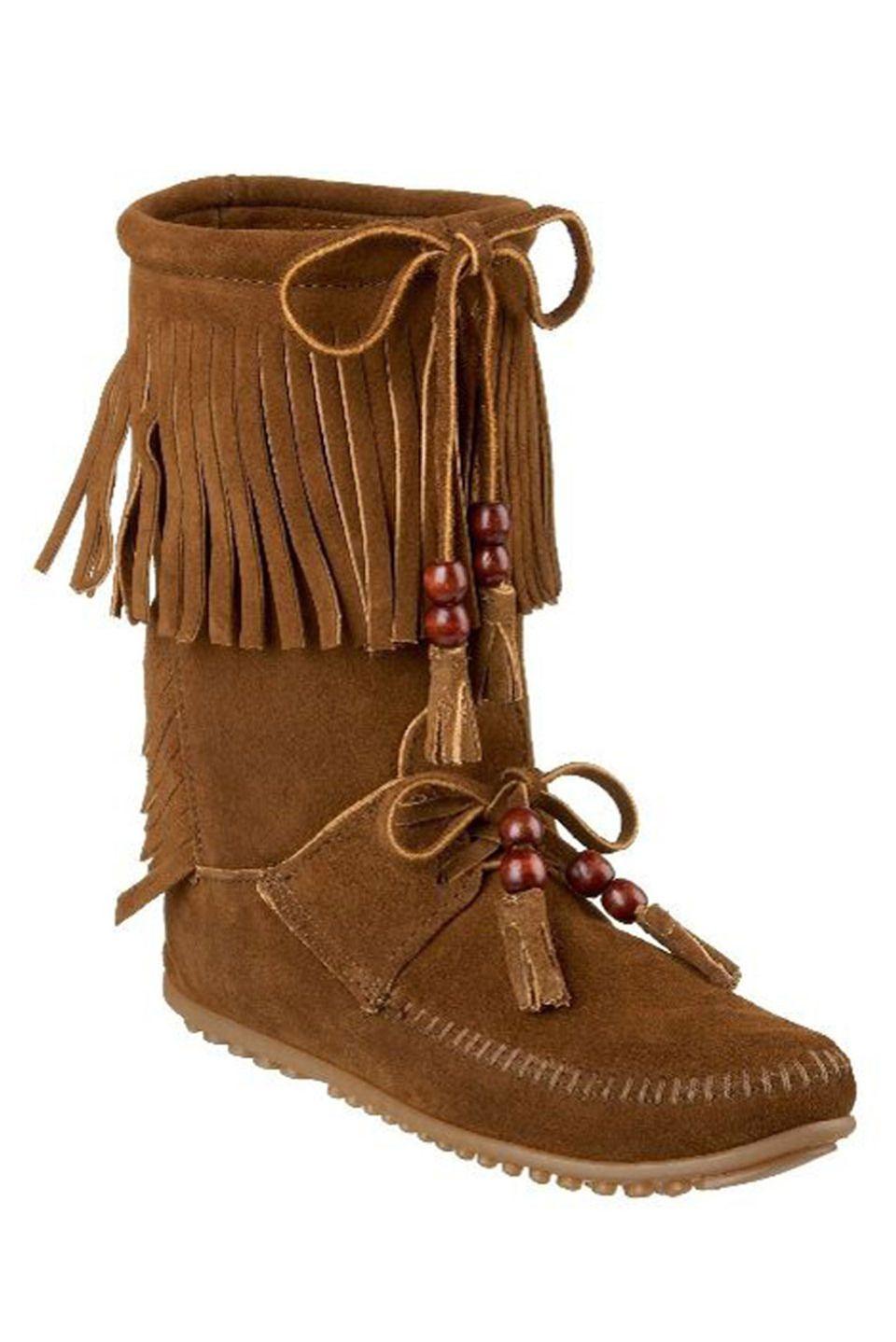 Minnetonka Woodstock Boot In Dusty Brown.