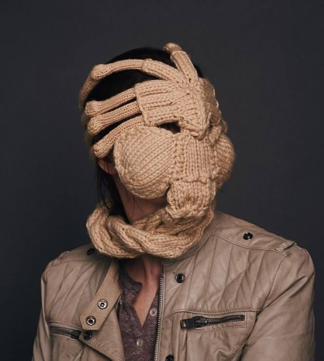 Wool Facehugger, for the winter ;) - Alien | horreur | Pinterest