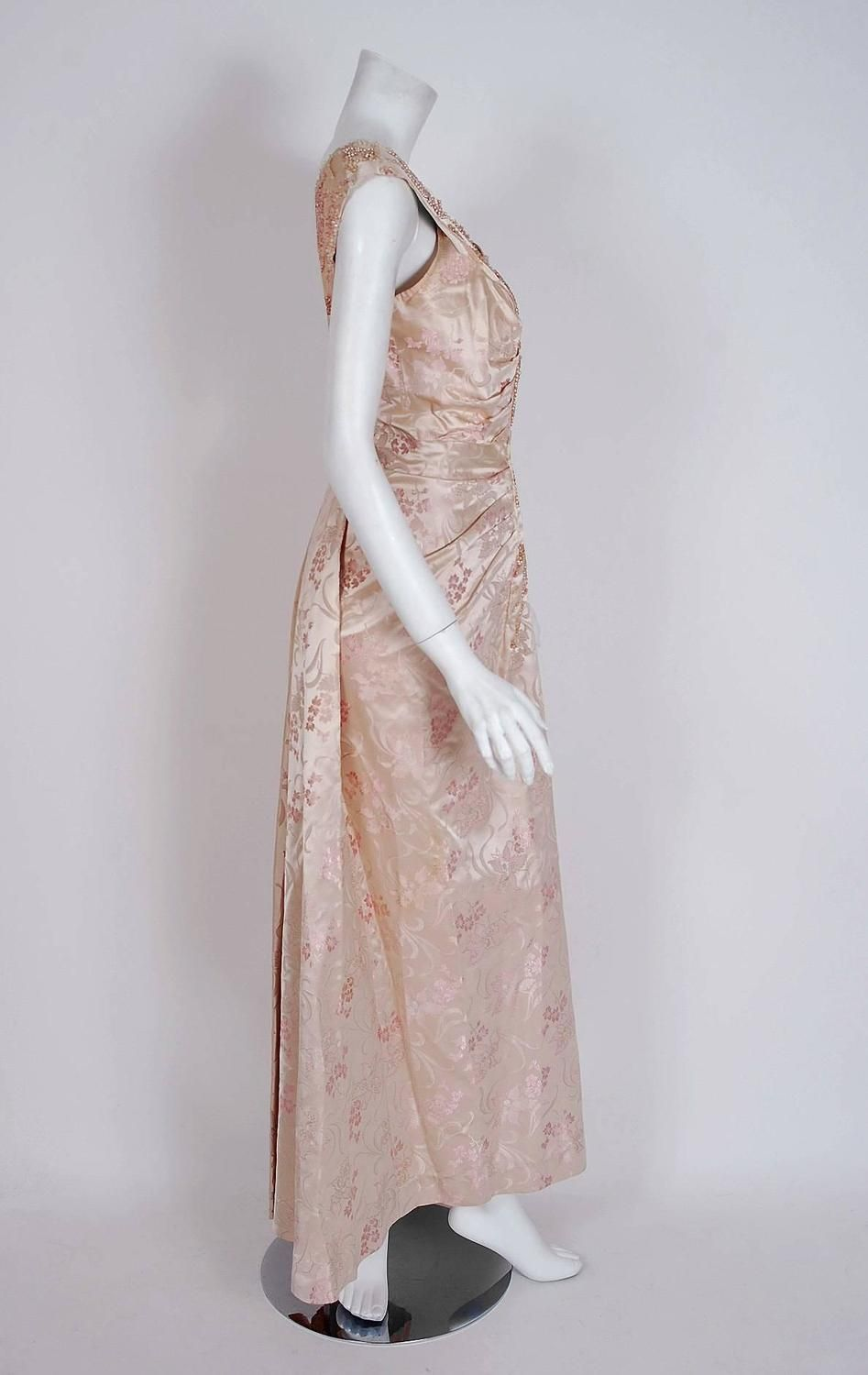 1953 Christian Dior Haute-Couture Beaded Champagne Pink Floral-Print Silk Gown  jαɢlαdy