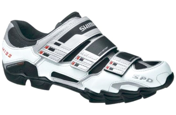 Shimano MTB M122 shoes, soon I will have my bike serviced for spring and combination SPD pedals installed.