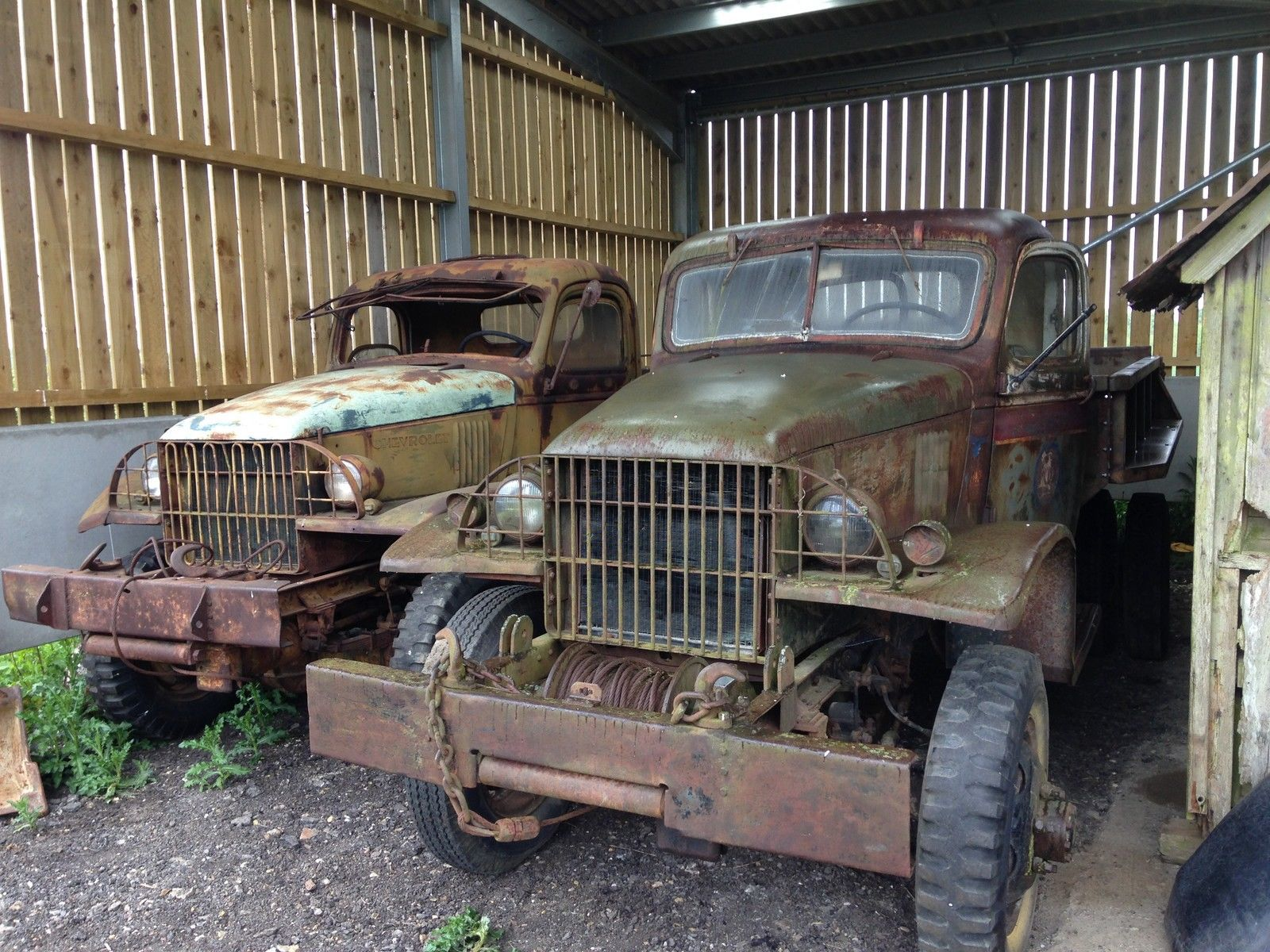 1940 and 1945 Chevrolet G506 WW2 military trucks 4x4 US army ...