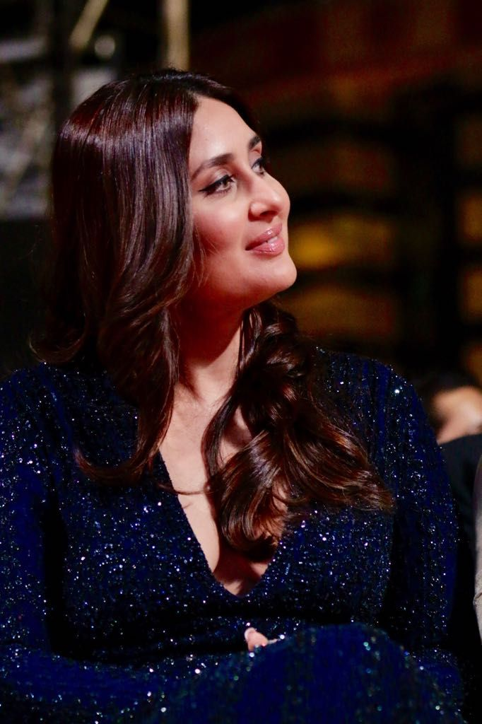 2 Kareena Kapoor Khan Kareenaonline Twitter Karena Kapoor Kareena Kapoor Pregnant Kareena Kapoor Khan