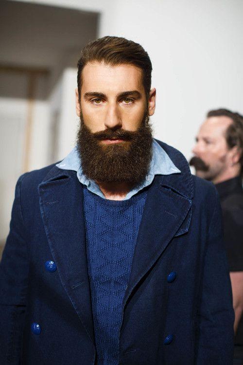 les 10 plus belles barbes de hipsters de d cembre sur pinterest porte folio homme barbe. Black Bedroom Furniture Sets. Home Design Ideas