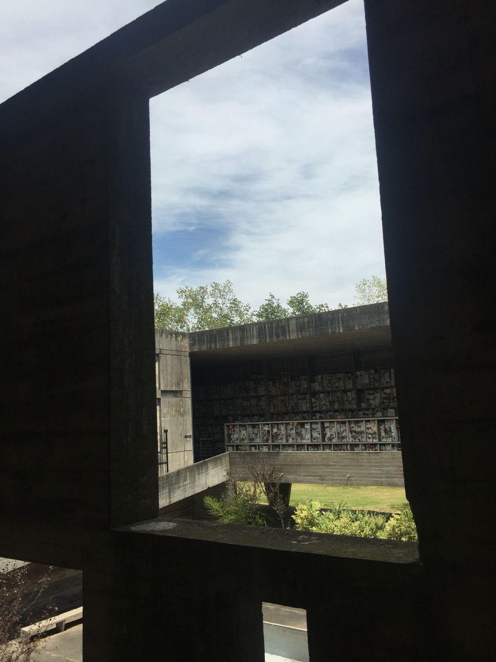 Urinario Municipal Del Cementerio Del Norte Uruguay Nelson  # Muebles Qka Vigo