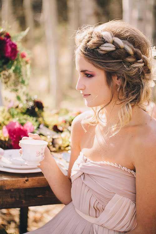 Besondere Hochzeit Hochsteckfrisuren für einen auffälligen Look