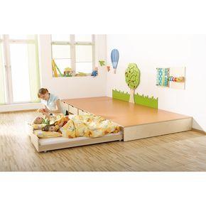 Podest mit auszugsbett spiel schlafpodeste for Raumgestaltung tagesmutter