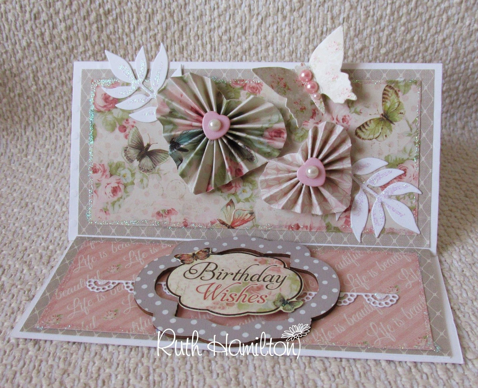 A Passion For Cards How To Make A Dovecraft Floral Muse Easel Card