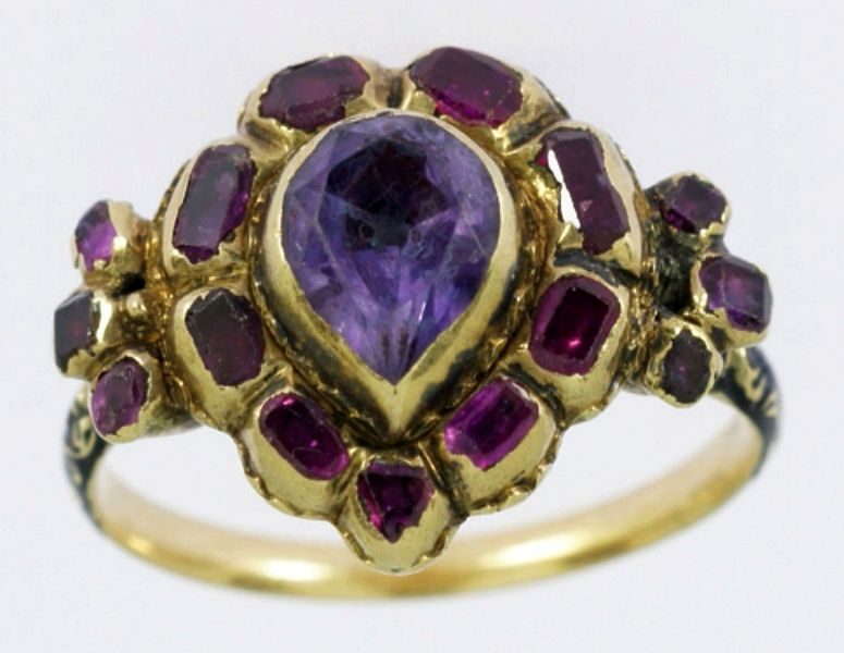 Heart shaped ring with amethyst and rubies by Anonymous from Poland, 17th century, Location not specified