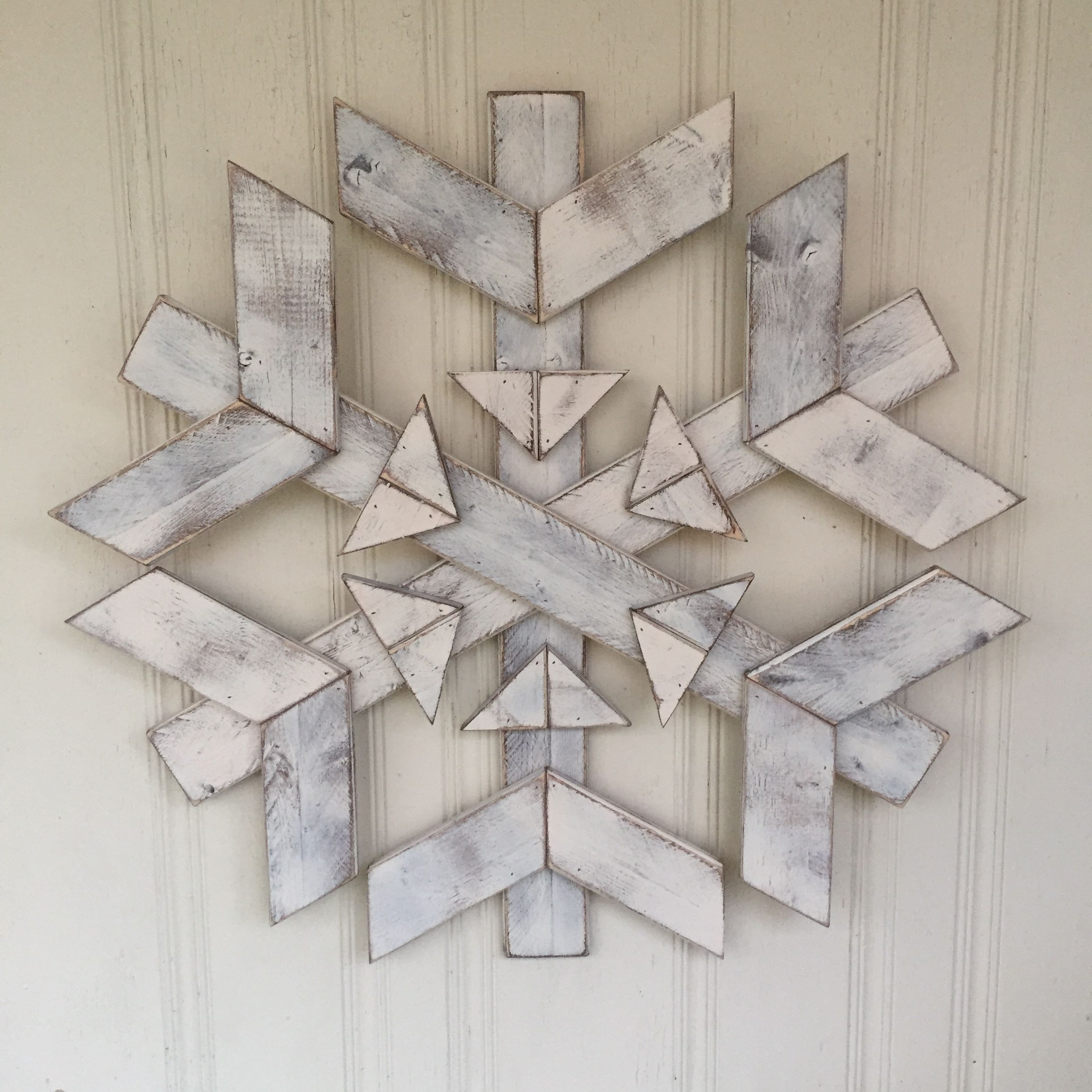 Farmhouse Christmas Large Wooden Snowflake By Rustic Modern Farmhouse Christmas Crafts Christmas Wood Pallet Christmas