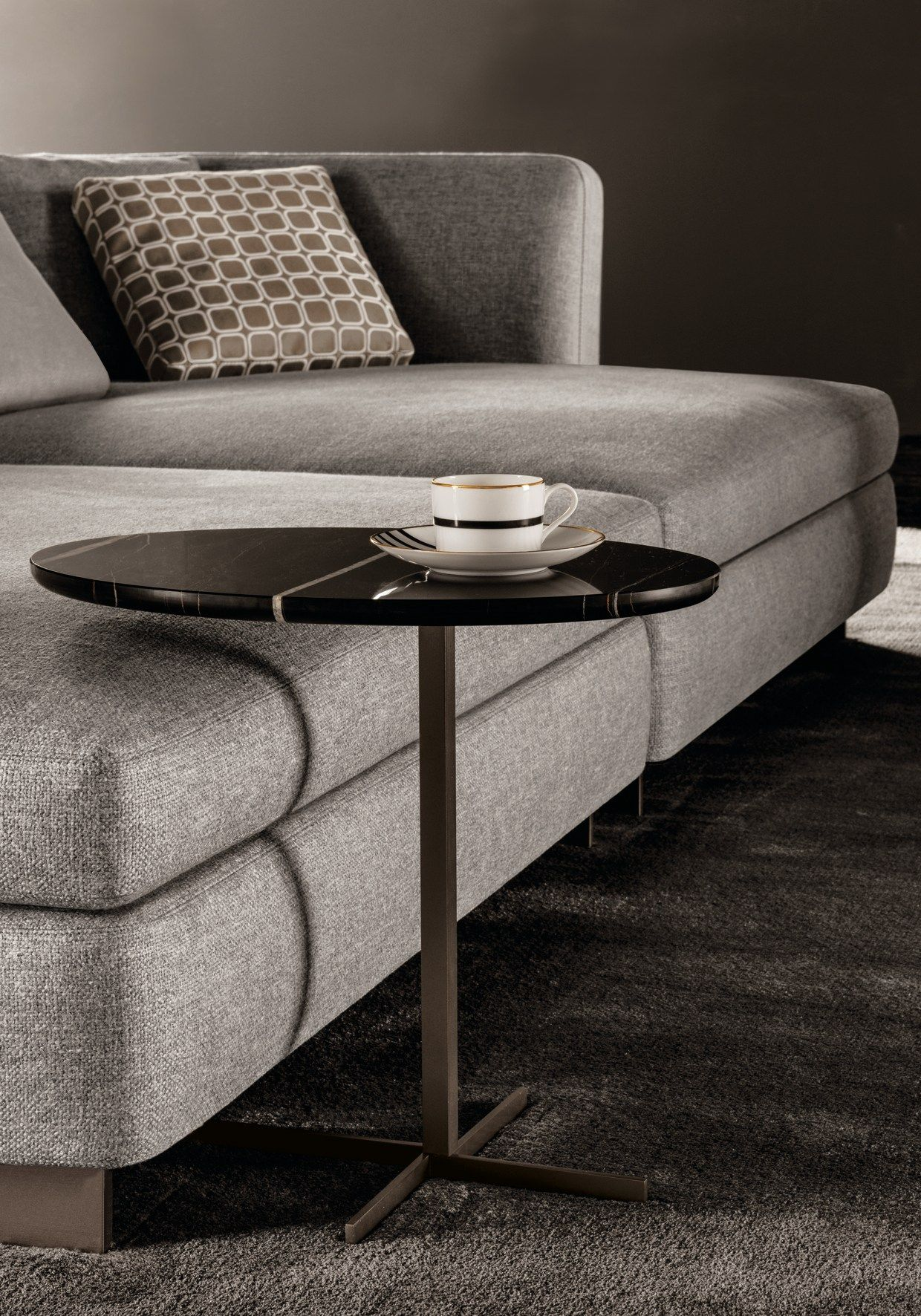 "Oval marble side table JOY ""JUT OUT"" by Minotti design Rodolfo"