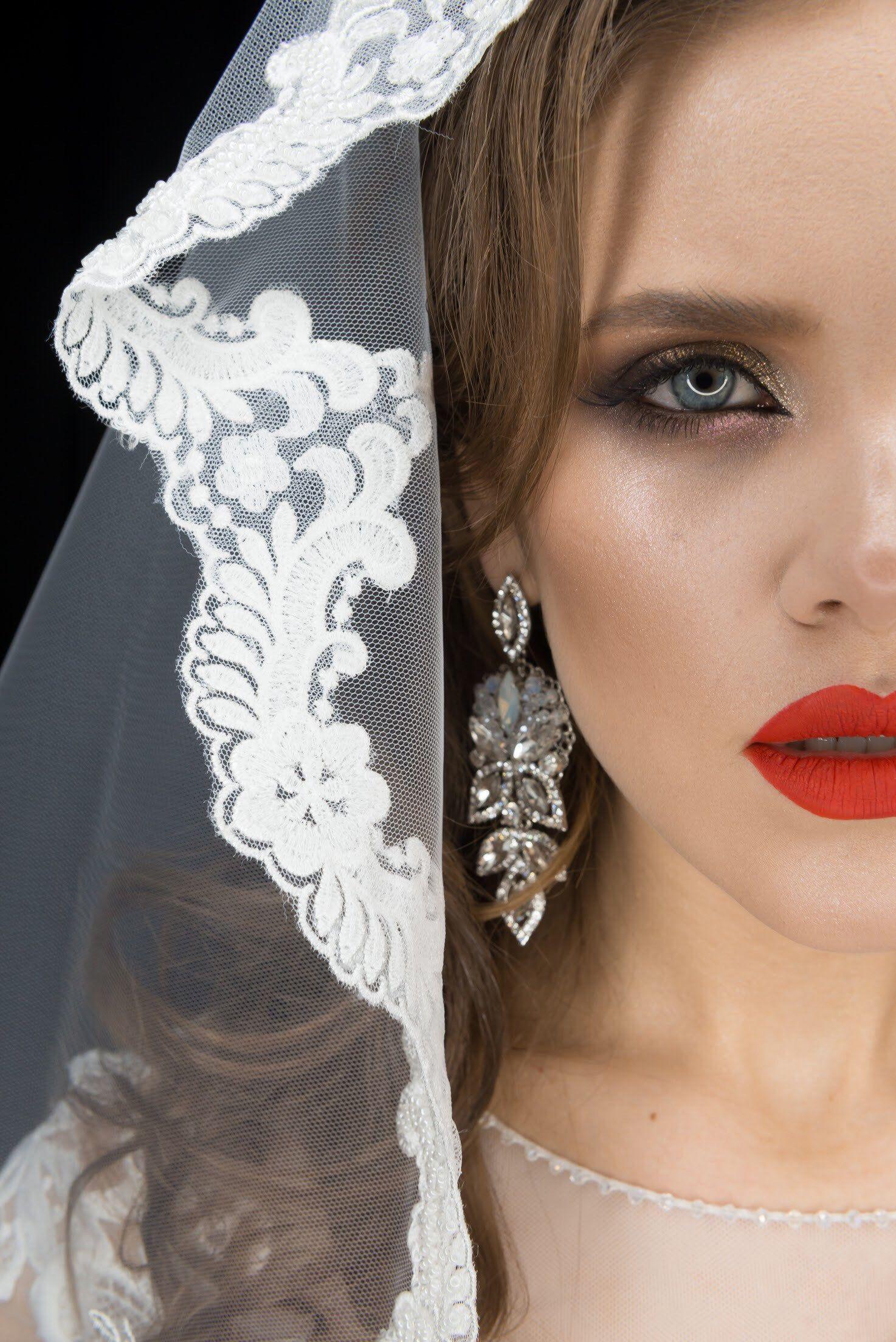 Bridal opal earrings,Swarovski earrings,Bridal earring chandelier,Bridal hairpiece and earring, Silver accessory, Bridal crown earring set,