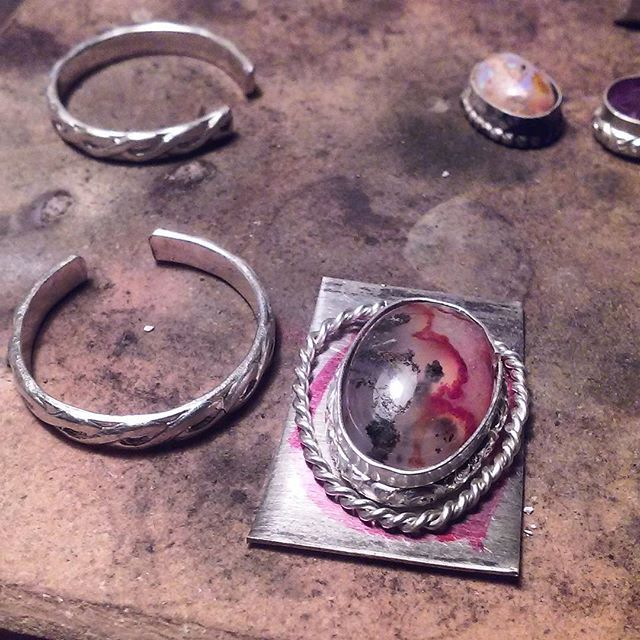 All work and no play makes Josh a dull boy. So I may just take the rest of the day off after sawing into my finger lol. #jewelry #workinprogress #customorder #ring #carnelian #agate #cabochon #breaktime #work #hobby #mygypsystorefamily #mygypsystore #shopping #onlineshopping #etsyalternative #shophandmade #follow #love #gypsyjewelry #bohojewelry #instasmithy #riojeweler #silverjewelry #onthebench #cabachonsupplier #cabsforsale #jewelrygram #jewelrydesigner #metalsmith