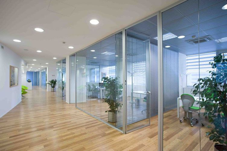 Nice and luxurious office cubicle interior design for Office design italia srl