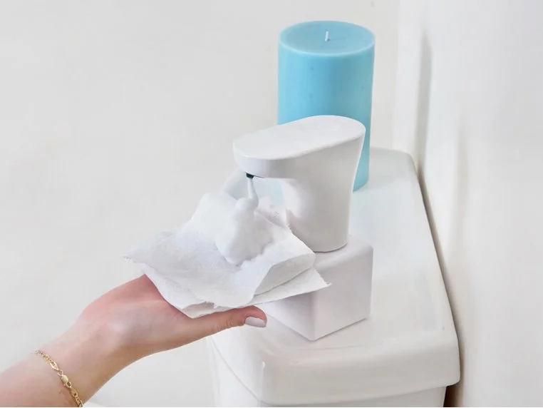 Fohm Co helps you feel squeakyclean without clogging up