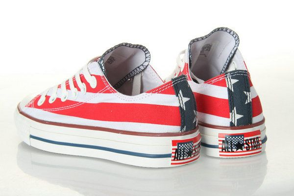 a42124543976ad low top chuck taylors