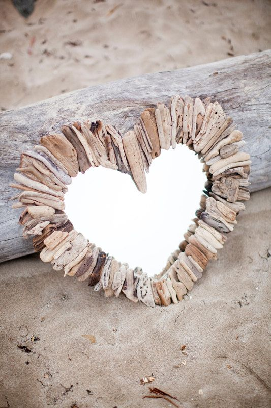 Miroir coeur bois flott fait maison pinterest for Coeur couronne et miroir