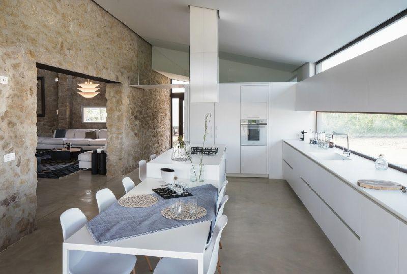 Elegante Casale A Girona Completamente Ristrutturato Dettagli Home Decor Casa Rustica House Case Rustiche Moderne