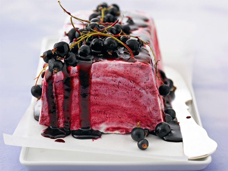 himmlisches cassis parfait desserts pinterest. Black Bedroom Furniture Sets. Home Design Ideas