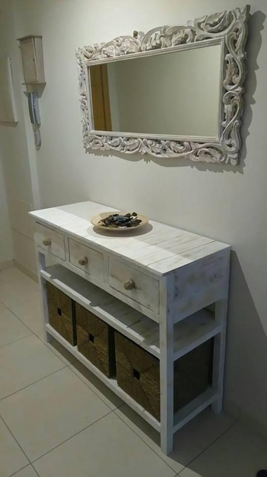 Un recibidor de palets de aire rom ntico i love palets - Mesa de recibidor ...