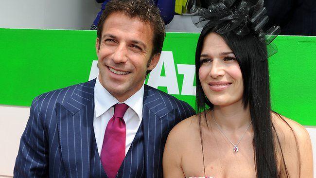 Sydney fc 39 s alessandro del piero with wife sonia amoruso for Alessandro del piero sonia amoruso