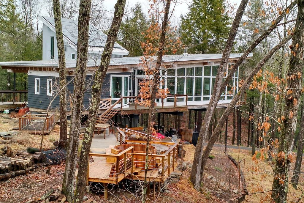 Modern Woodstock House In The Trees Houses For Rent In Woodstock Tree Houses For Rent Renting A House Hot Tub Outdoor