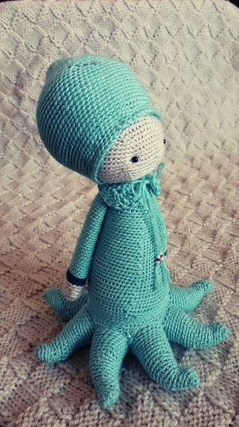 OLEG the octopus made by Elisabeth P . / crochet pattern by lalylala