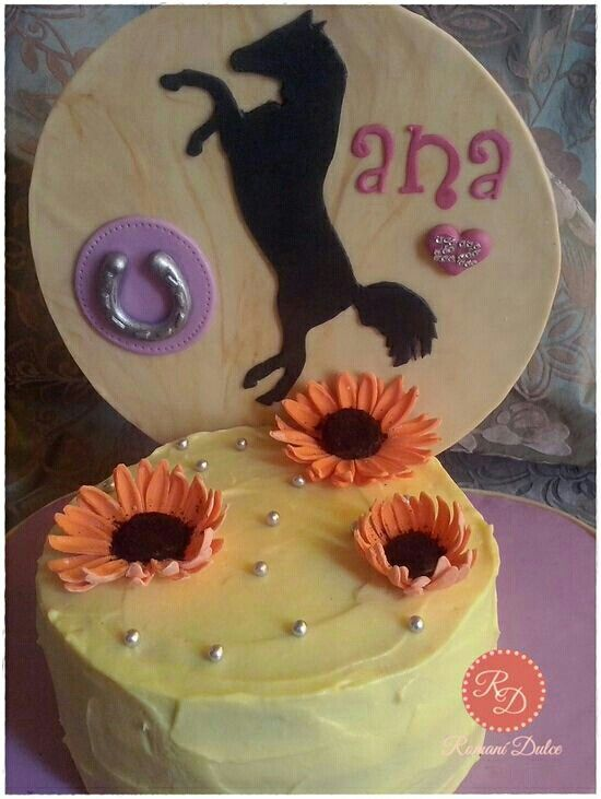 Horse and flowers cake :)