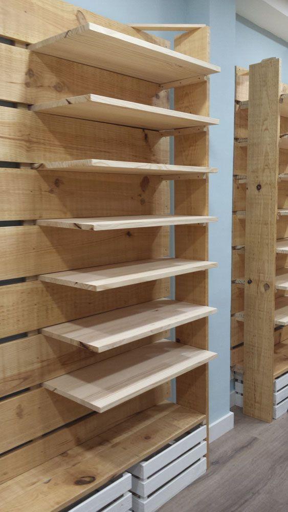 Muebles hechos con palets y madera natural a medida para tiendas mind made expositor - Muebles de madera a medida ...