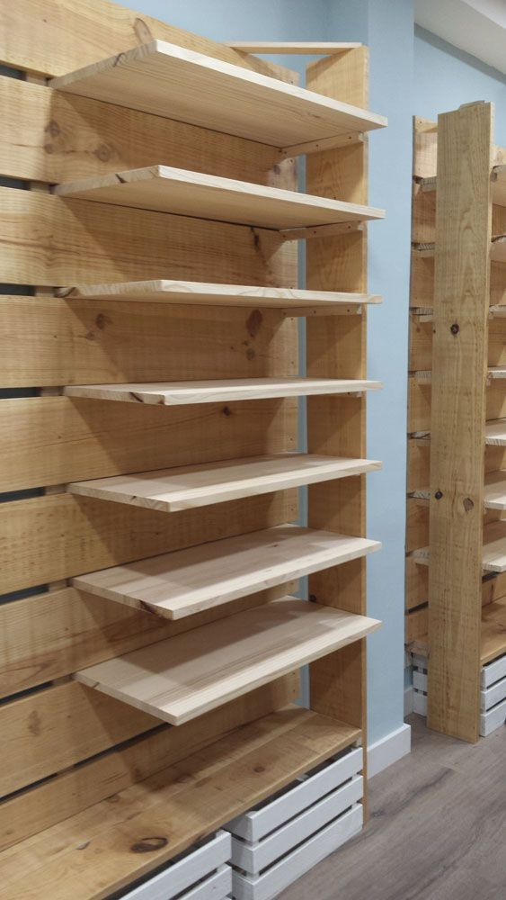 Muebles hechos con palets y madera natural a medida para tiendas mind made expositor - Madera a medida ...