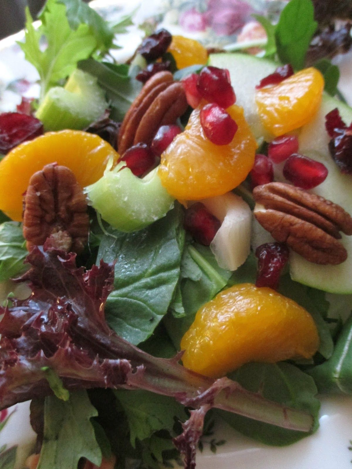 Festive Fruit and Green Salad for a Crowd | Salads for a ...