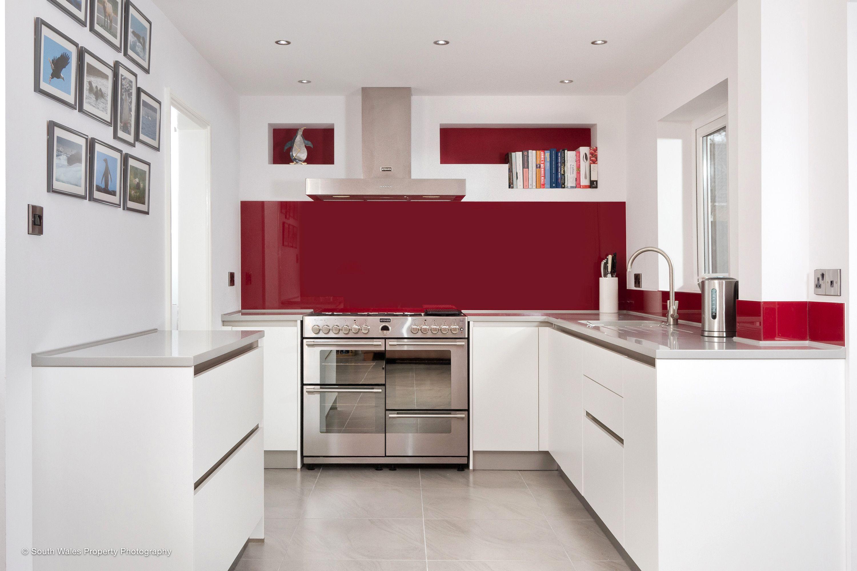 Best Handleless Schuller Kitchen In Matt White With A Splash 400 x 300