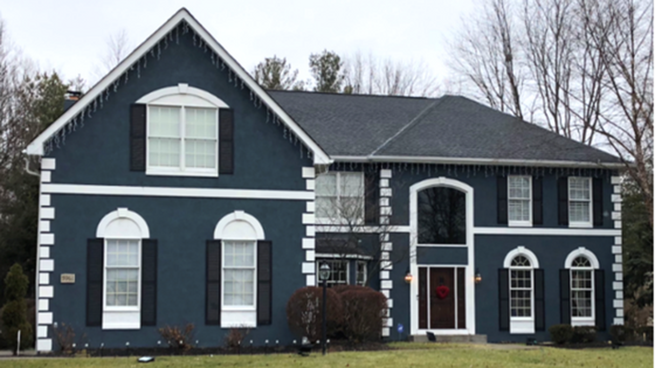 20 Outstanding Exterior House Paint Ideas With Blue Colors Trenduhome House Exterior Blue House Paint Exterior Exterior Paint Colors For House