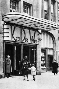 Berlin 1932 Kadewe Eingang Passauerstrasse Berlin Mon Amour Pinterest Berlin
