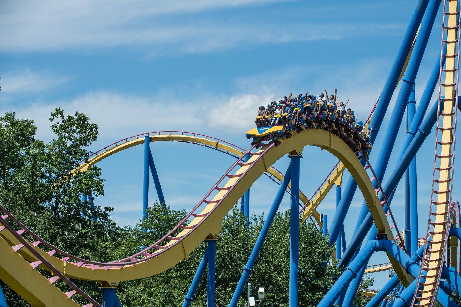 Six Flags Magic Mountain Santa Clarita Usa Six Flags Great Adventure Greatest Adventure Six Flags