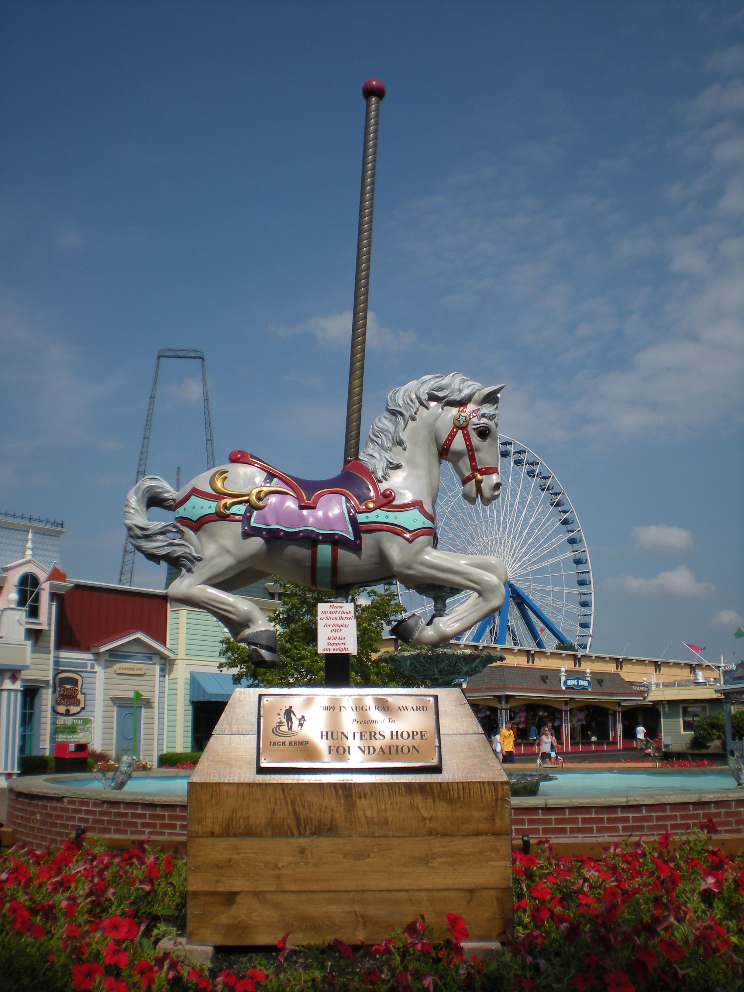 Darien Lake Ny A Former 6 Flags Themepark It S Most Famous For It S West Coast Choppers Motocross Roller Coaster La Darien Lake Amusement Park Thrill Ride