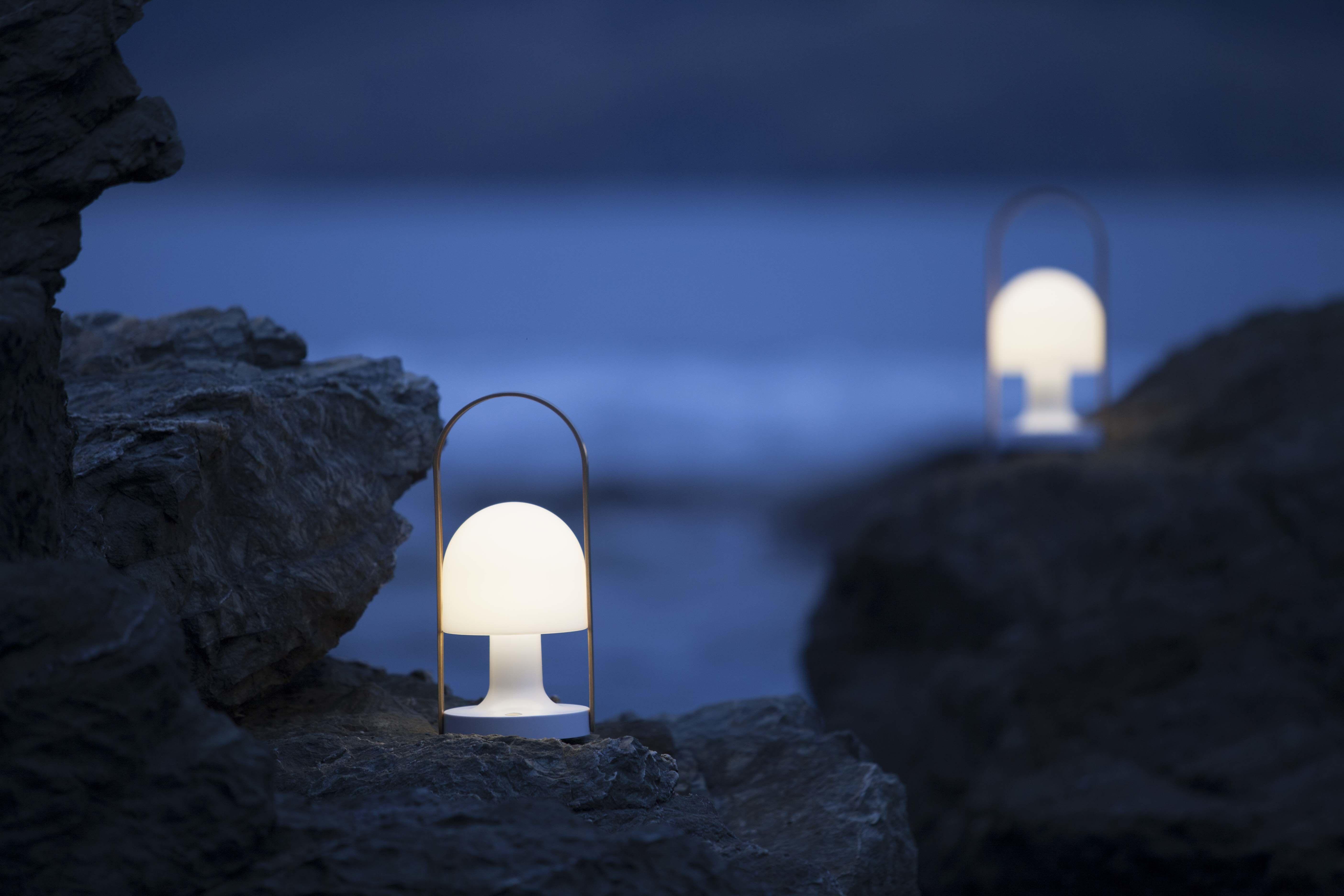 Leuchten Ohne Schnur Eine Ubersicht Der Wichtigsten Produkte Stylepark Landschaftsbeleuchtung Lampe Leuchten