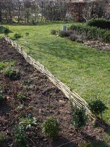 Bordure en noisetier ou plessis | - Garden - | Amenagement ...