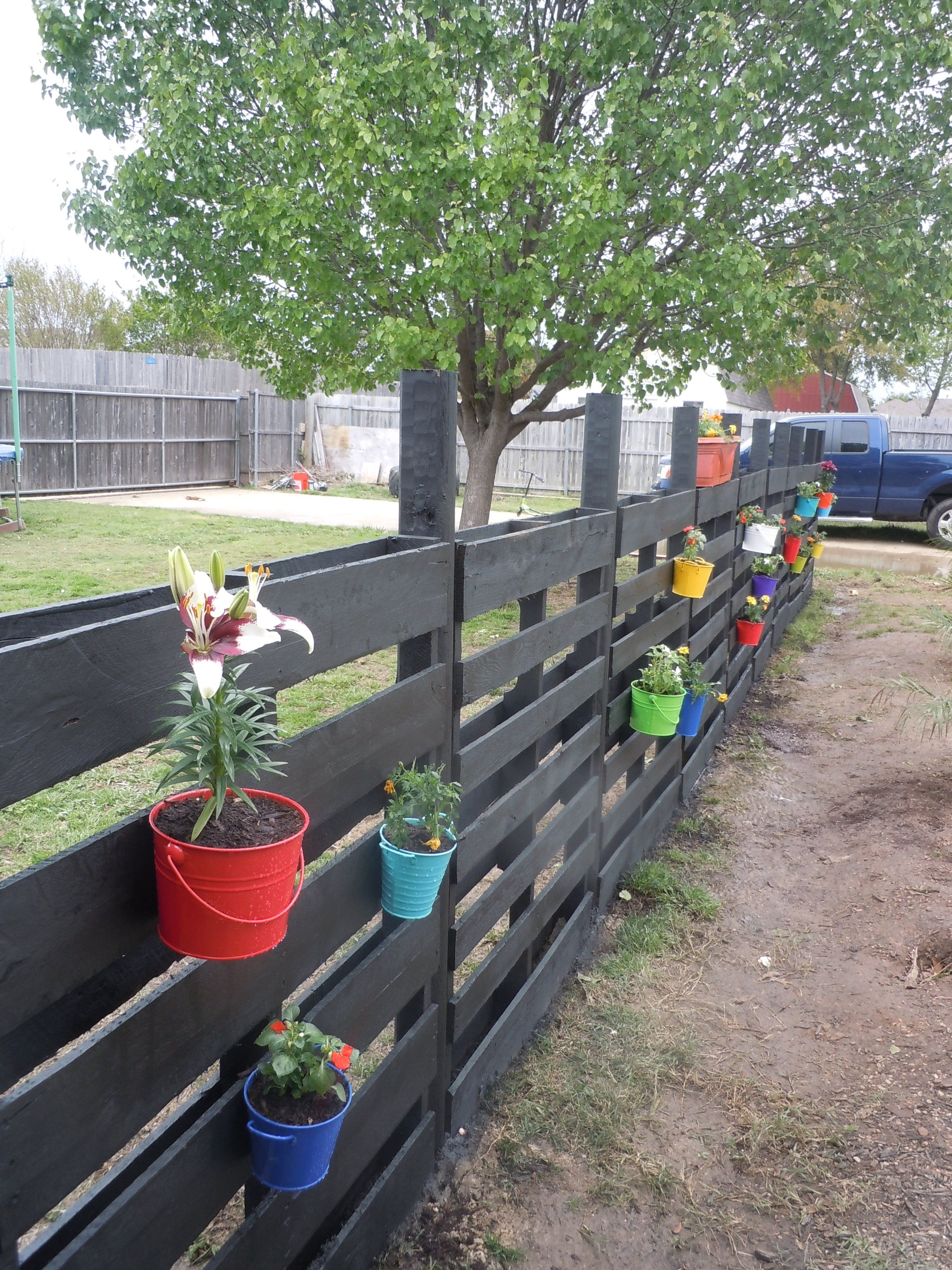 wonderful pallet fence ideas for backyard garden in fences