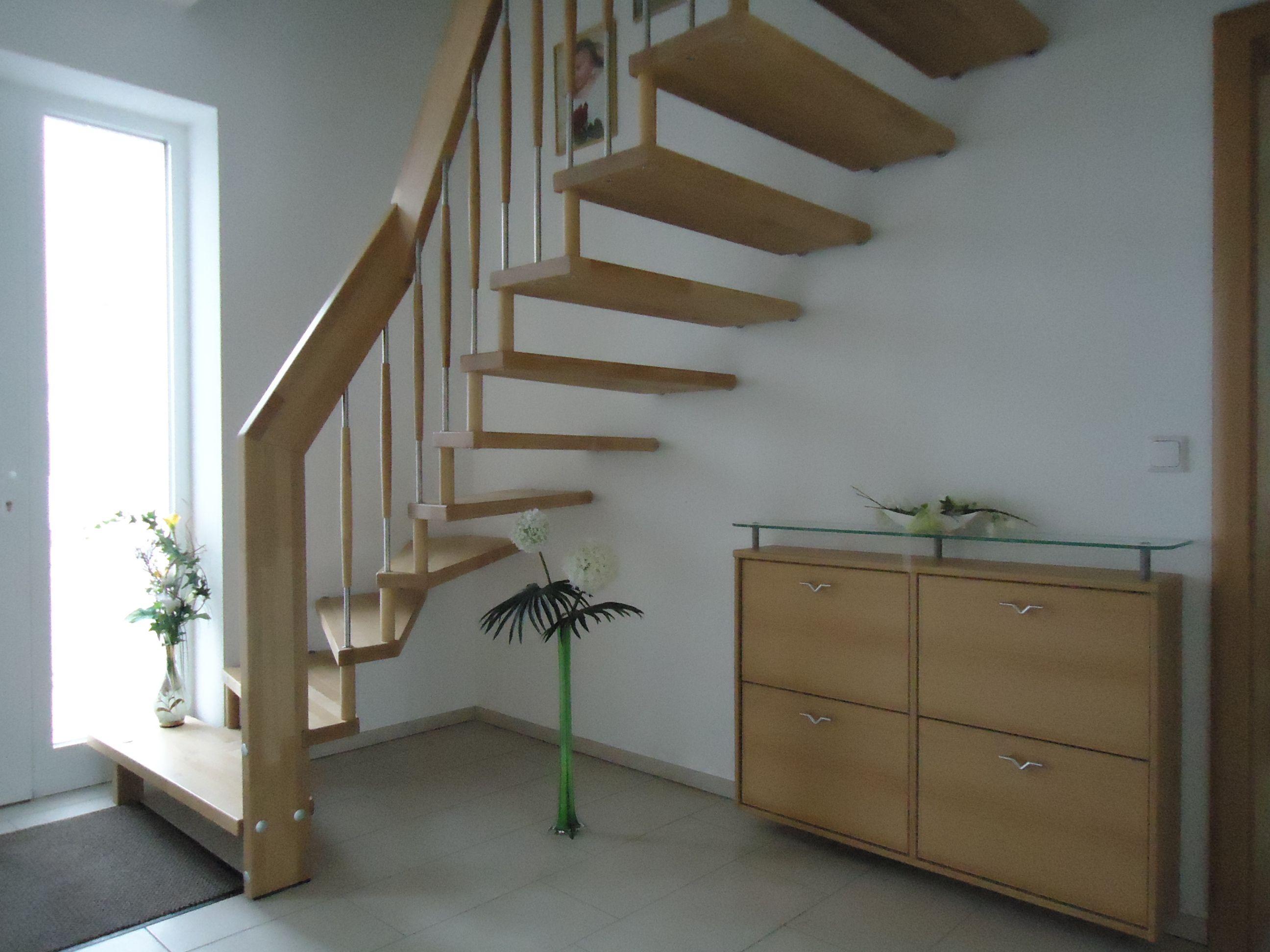 Treppen architektur design  Freitragende Holztreppe Buche direkt vom Hersteller Unnerstall ...