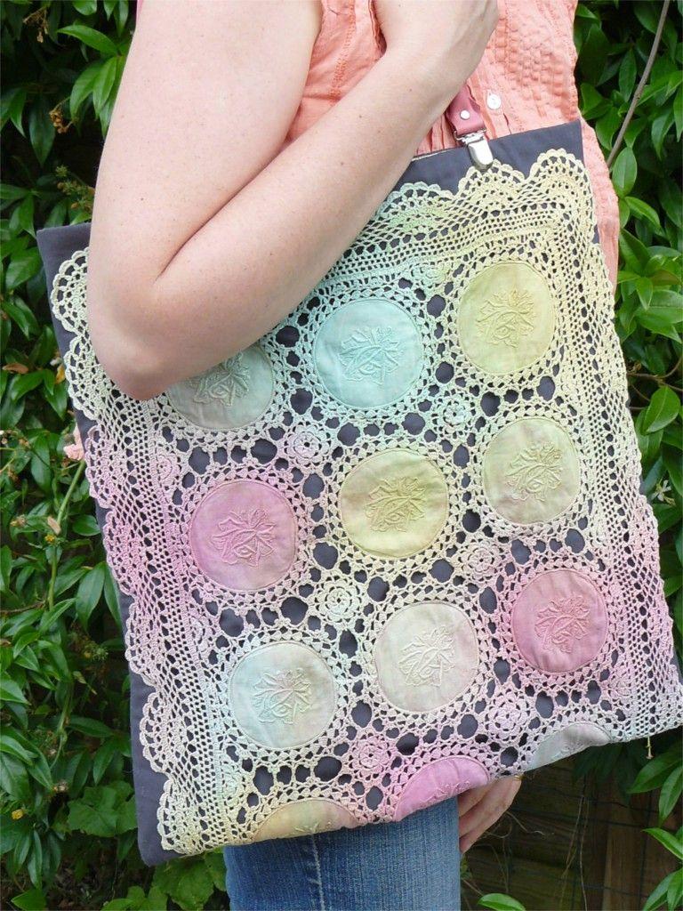 sac avec un napperon ancien teint